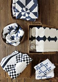 Blue and white two color quilts are always timeless. With Hook and Needle Two Color Quilts, Blue Quilts, Small Quilts, Antique Quilts, Vintage Quilts, Red And White Quilts, Blue And White, Shabby Chic Vintage, Country Quilts