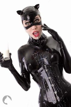 Model Fräulein Katzentanz (source) Saw this in my feed with no credits - in an album I did not care for Sexy Latex, Fetish Fashion, Latex Fashion, Catwoman Selina Kyle, Latex Catsuit, Latex Dress, Sexy Teens, Here Kitty Kitty, Models