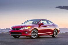 Honda's $33,000 Accord Coupe Wails Like a Ferrari - Bloomberg