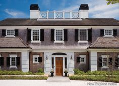 A new home with classic charm celebrates the spectacular seascape of Cape Cod, by architect Tom Catalano.