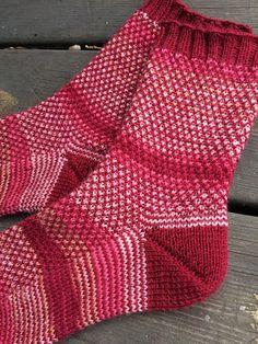 Anette L syr och skapar: Bruten moss Mitten Gloves, Mittens, Knitting Socks, Knitting Ideas, Knit Crochet, Diy And Crafts, Stitch, Pattern, Fashion
