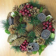 Small Berry & Pinecone Wreath