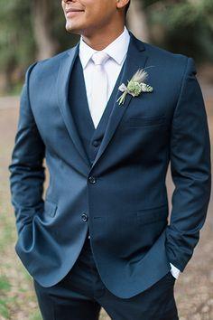 4c687738d2 Temecula-outdoor-wedding-groom-blue-suit-close-up
