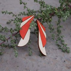 The earring trick is in their chin-shaped design. The delicious orange glows beautifully as a plywood partner. Sustainable Fashion, Birch, Jewelry Collection, Summer Outfits, Orange, Design, Summer Wear, Outfit Summer