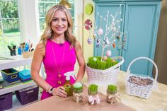 Maria Provenzano shows how to make a beautiful Easter gift using wheat grass!