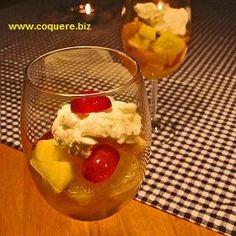 Fruktsalat smaker alltid godt. Den er ikke minst både enkel og sunn. Flott dessert når man ønsker å servere mange, og populær blant voksne så vel som barn. Her har du også en dessert som kan spises innenfor de fleste kategorier av dietter