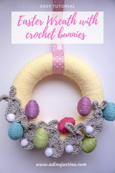 Easter wreath with crocheted bunnies - DIY by Hanka Egg Wrap, Plastic Eggs, Baby Yellow, Jute Twine, Crochet Bunny, Easter Wreaths, Easter Bunny, Crochet Hooks, Dyi
