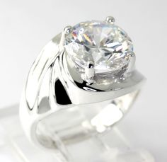 Round-Cut Cubic Zirconia Sterling Silver Swirl Ring size  5.5 High Quality CZ