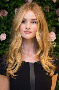 Are you thinking about changing the colour of your hair? Look at Rosie Huntington's hair color! I <3 this colour ;)
