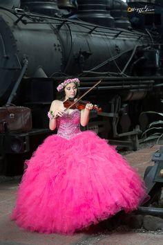 https://flic.kr/p/EAH4wZ   Photoshoot 15 Años Rocío   Sesión de Fotos en el Museo del Ferrocarril, Guatemala