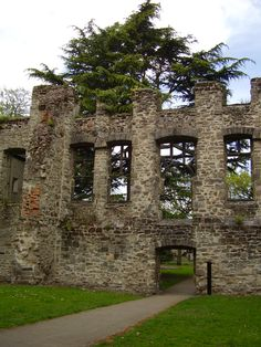 A view of the remains of a old house. Abbey Park, Leicester, UK