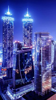 Check out our full Dubai travel guide You ll find out all the necessary information about activities attractions nightlife beaches working hours transport etc Enjoy City Lights Wallpaper, Cityscape Wallpaper, Wallpaper Art, Dubai City, City Aesthetic, Blue Aesthetic, Dubai Nightlife, Dubai Travel Guide, Night City