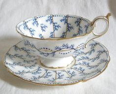 Coalport English bone china cup & saucer Blue and White with gold rim and handle Chocolate Cafe, Teapots And Cups, China Tea Cups, My Cup Of Tea, Tea Service, Tea Cup Saucer, Bone China, Tea Time, Tea Party