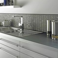New Kitchen Wall Tiles Splashback White Cabinets Ideas Kitchen Mosaic, Kitchen Interior, Kitchen Wall Tiles, Kitchen Splashback Tiles, Trendy Kitchen Tile, New Kitchen, Grey Kitchen Walls, Kitchen Tops, Kitchen Design