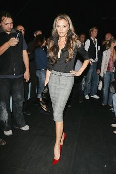 Victoria Beckham Style Evolution: From Spray Tans To Sleek And Sophisticated (PHOTOS)