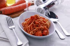 Hummer ist eine wahre #Delikatesse. Die Zubereitung dieses Rezepts Hummer mit Spaghetti ist einfach.