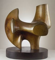 Henry Moore, Three Way Piece No.2: Archer 1964-65 (LH 535). Material bronze. / Eye-Likey