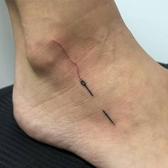 New piercing unique weird ideas Pair Tattoos, Toe Tattoos, Badass Tattoos, Mini Tattoos, Body Art Tattoos, Tatoos, Tasteful Tattoos, Dainty Tattoos, Pretty Tattoos