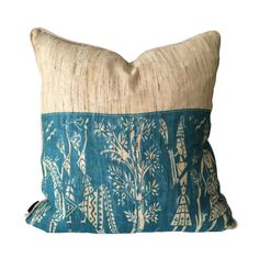 One of our favorites from the Jute Collection. Find it at my #etsy shop: Warli http://etsy.me/2Eh0miJ #interiordesign #blue #jute #naturaltextile #indian #throwpillow #cushioncover #homedecor #homeaccessories #supportshadhika