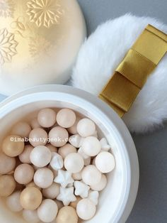 Guerlain holiday 2015: Neiges et Merveilles Enchanted Snowflakes Metorites (did you know Meteorite pearls are handmade?)