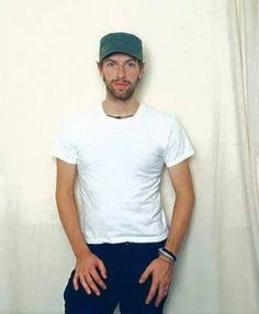 Chris Martin Coldplay, Phil Harvey, Jonny Buckland, Band Pictures, Britpop, Great Bands, Music Quotes, Pop Music, Rock Bands
