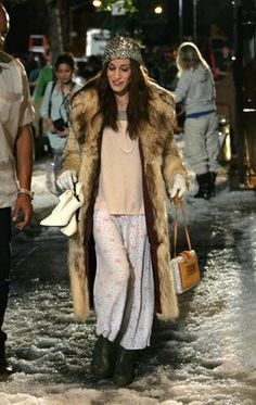 Carrie Bradshaw..New Year's Eve...running to Miranda's place.....