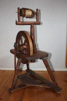 ca. 100 Jahre altes Spinnrad in Bergkamen