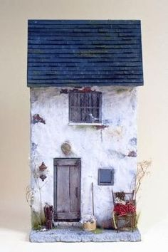 Rustic Retreat - Create a distressed miniature house front with Marlene Corke Part 1 of 2 ALTOID TIN Clay Houses, Ceramic Houses, Paper Houses, Miniature Houses, Wooden Houses, Diy Dollhouse, Dollhouse Miniatures, Small Wooden House, Driftwood Crafts