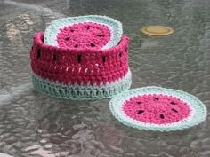 Watermelon Coasters - Free Crochet Pattern - aren't these adorable? ♡ Teresa Restegui http://www.pinterest.com/teretegui/ ♡
