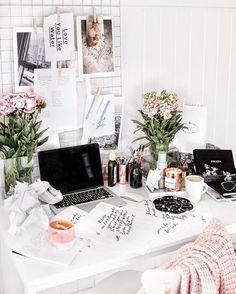 Home office workspace ähnliche tolle Projekte und Ideen wie im Bild vorgestellt findest du auch in unserem Magazin . Wir freuen uns auf deinen Besuch. Liebe Grüße