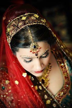 """""""Beauty is not in the face; beauty is a light in the heart. Indian Wedding Bride, Desi Wedding, Beautiful Indian Brides, Indian Princess, Indian Bridal Makeup, Face Characters, Interesting Faces, Asian Fashion, Beautiful Images"""