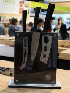 The 15-piece knife set from Carbon 6 is available exclusively at Crate & Barrel ($400) #carbon6 #knifeset