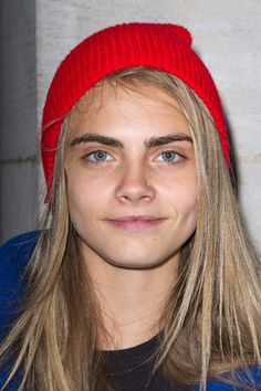 earlysunsetsovermonroeville: Cara Delevingne is seen at the 'Westin' hotel on September 2012 in Paris, France. Cara Delevingne Without Makeup, Cara Delevingne Photoshoot, Cara Delevingne Hair, Cellulite, Cara Delvingne, Celebs Without Makeup, Bare Face, Model Look, Burberry