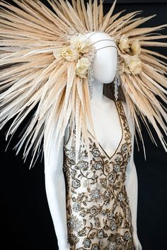 """""""Avante garde headpiece by Eaton Nott at The White Gallery, May 2013. Photography by www.naomikenton.com"""" Love this..."""
