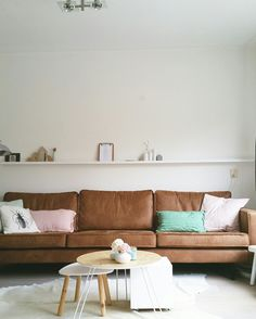 #rodeobank#myhome#couch#cognac#bepurebankrodeo
