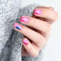 Pink Color blocking nail art - available at Douglas. Swatch by Lacktropfen