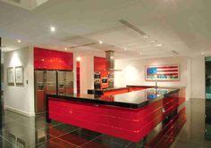 Cocina elegante y moderna. No quieres cocinar aquí?? #diseño #cocina #comprayviaja.com #tendencia #nuevo #regalo