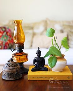 25 Perfect Indian Home Decor Ideas For Your Ordinary Home. If you are looking for Indian Home Decor Ideas For Your Ordinary Home, You come to the right place. Below are the Indian Home Decor Ideas Fo. Ethnic Home Decor, Indian Home Decor, Moroccan Decor, Indian Decoration, Flower Decoration, Home Decor Styles, Home Decor Accessories, Diy Home Decor, Home Design