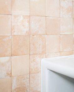 CA LA BRISA - Bataille Living Casa San Sebastian, Guest Toilet, Mediterranean Homes, Modern Luxury, Luxury Homes, Tile Floor, Houses, Battle, Mediterranean Houses