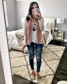 39 Pretty Ripped Jeans With Sneakers For Teen Fashion Early Spring Outfits, Sunday Outfits, Fall Winter Outfits, Spring Outfits Women, Summer Outfits, Ripped Jeggings, Ripped Skinny Jeans, Beauty And Fashion, Look Fashion