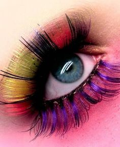 colored eyelashes
