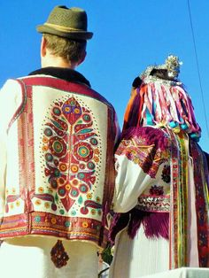 Polomka, the wedding dress Watercolor Lion Tattoo, Costumes Around The World, Folk Clothing, Folk Costume, Ethnic Fashion, Traditional Outfits, Hand Embroidery, African, Culture
