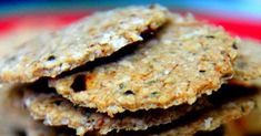 Oat Crackers With Freshly Grounded Indian Spices Oat Crackers Recipe, Healthy Crackers, Homemade Crackers, Savory Snacks, Easy Snacks, Donut Recipes, Fudge Recipes, Biscuits, Protein Brownies