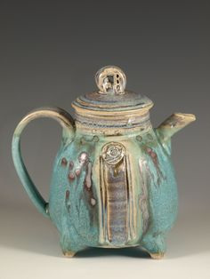 Teapot by hodaka pottery click the image or link for more info. Pottery Teapots, Teapots And Cups, Ceramic Teapots, Ceramic Clay, Ceramic Pottery, Teacups, Pottery Mugs, Porcelain Dinnerware, Porcelain Ceramics