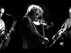 Vocals and piano : Nick Cave.Violin : Warren Ellis.Guitar : Mick TurnerDrums :Jim White.Album:A Flowerdance Collection (2005) D.A