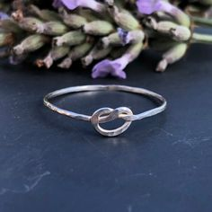 Love Knot Ring Handmade UK Silver Sterling Solid 925 SIZE M M1/2 Midi 09B thechakrastack Love Knot Ring, Earrings Handmade, Heart Ring, Silver Rings, Unique Jewelry, Handmade Gifts, Etsy, Vintage, Kid Craft Gifts