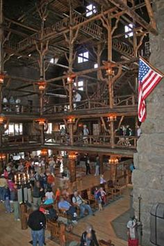 Old Faithful Inn | Yellowstone National Park | US Park Lodging