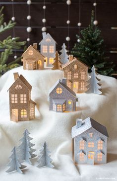 #Christmasvillage #Holidaydecor #diycraft #Papervillage #3Dpaperhouse www.LiaGriffith.com: