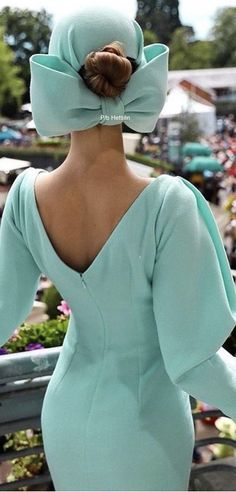 Street Chic, Street Style, Girl With Hat, Looking For Women, Runway Fashion, Turquoise, Aqua, Classy, Lady Luxury