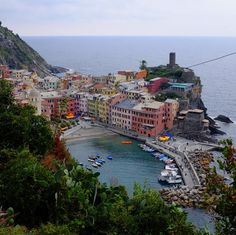 A day of hiking the trails of Cinque Terre with @erinheartdavid = one amazing birthday.  . . . #italy #cinqueterre #vacation #vacay #birthday #hike #hiking #europe #trails #getaway #vernazza #monterroso #corniglia #riviera #getaway #travel #adventure #active #outdoors #sweat